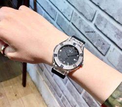 Đồng hồ Hublot genever nữ siêu cấp viền bạc đính full đá