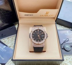 Đồng hồ Cặp Hublot Genever Chronograph Siêu Cấp đính đá full viền vàng