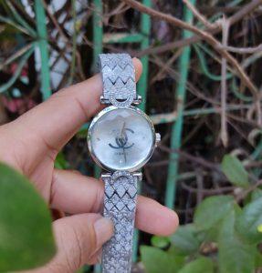 đồng hồ nữ chanel mặt lấp lánh giá rẻ