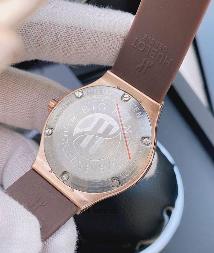 Đồng hồ hublot nữ đính đá dây cao su màu nâu
