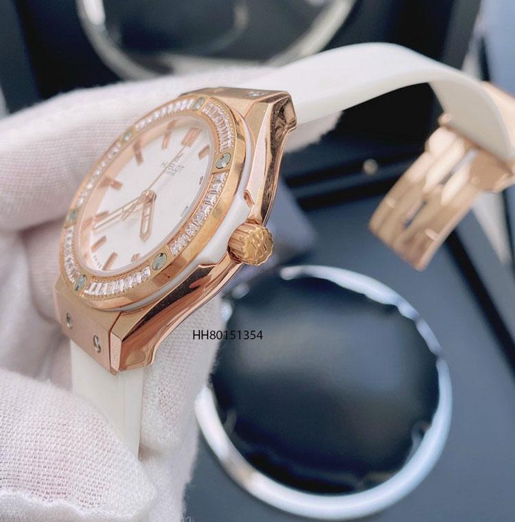 Đồng hồ hublot nữ đính đá dây cao su màu trắng