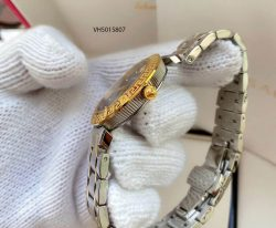 Đồng hồ nữ Versace Blue Daphnis dây kim loại cao cấp