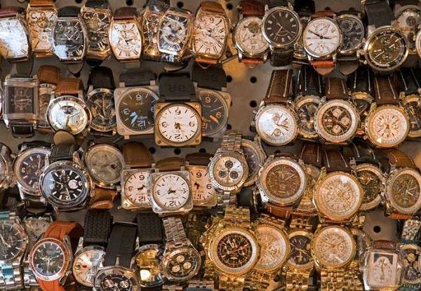 Nên mua đồng hồ cũ hay mua đồng hồ giá rẻ?